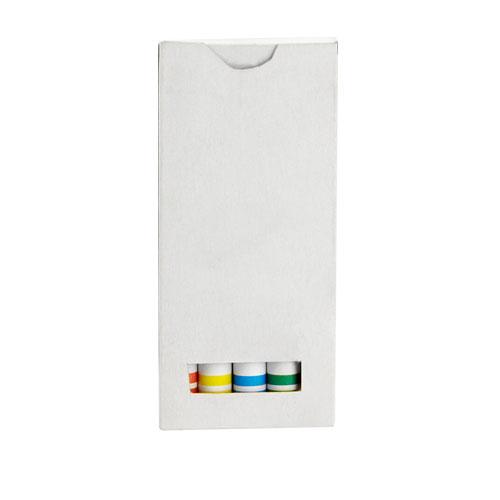 Caja de crayolas  con 5 crayolas de varios colores. Medidas: 4.3 x 9.2 cm
