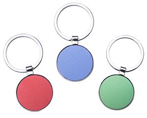Llavero metalico con arillo reforzado de forma circular con color al centro y filo plateado medidas:0.5 x 3.2 cm diam