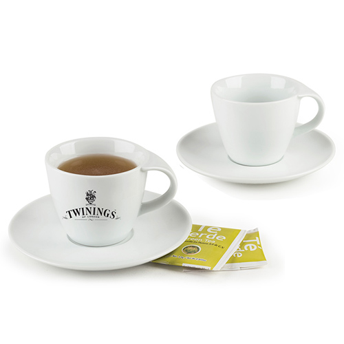 Porcelana   Cl�sico juego de 2 tazas de cafe o te con plato. Incluye: 4 piezas. CAP por taza: 6 OZ. El fino detalle que nunca puede faltar en casa. Pre�sentacion: caja en color blanco. Medidas: Taza � 8.7 x 7.7 / Plato � 16 cm