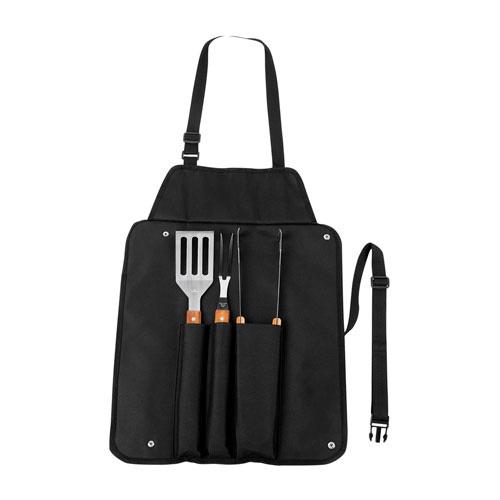 SET BBQ TAROUDANT (Set de BBQ en delantal. Incluye esp�tula, pinzas y tenedor.) MATERIAL: Acero Inoxidable y Madera Utensilios / Poli�ster Mand�l MEDIDA: 43.5 x 60 cm